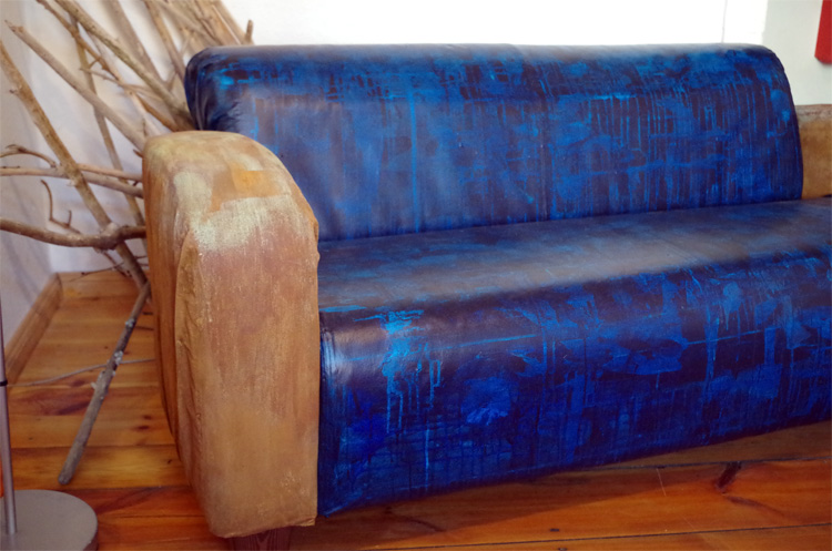 couch-3567155c83b87f